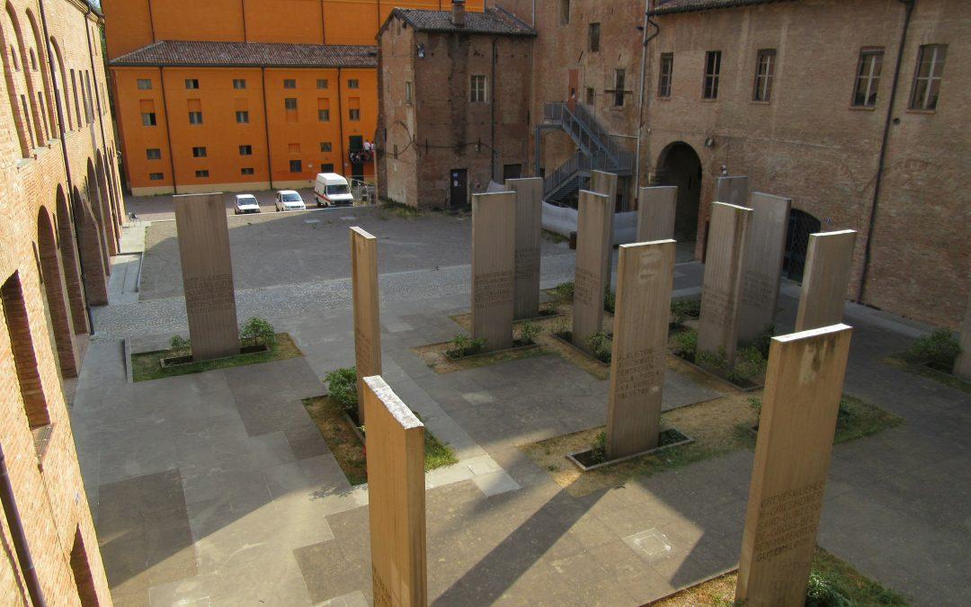 Quattordicimilatrecentoquattordici nomi come graffi al Museo Monumento al deportato di Carpi